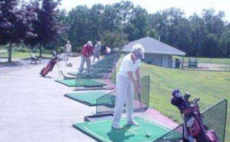Golf World Driving Range & Golf Instruction (6)