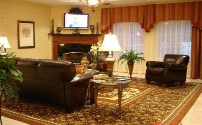 La Quinta Inn & Suites Albany Airport (2)