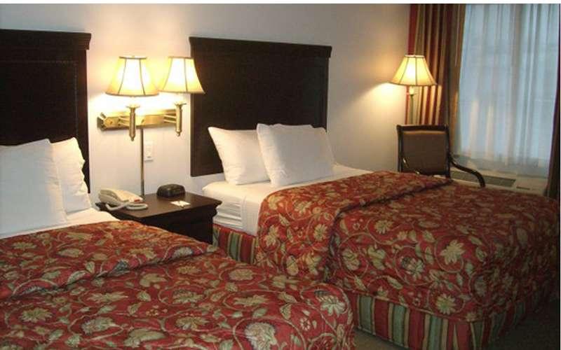 La Quinta Inn & Suites Albany Airport (4)