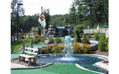 Water features and holes at Lumberjack Pass Mini Golf