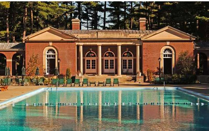 The Victoria pool at the Saratoga Spa State Park