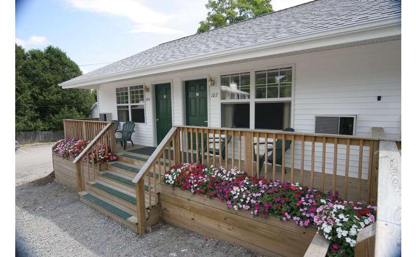 Maple Leaf Motel (1)