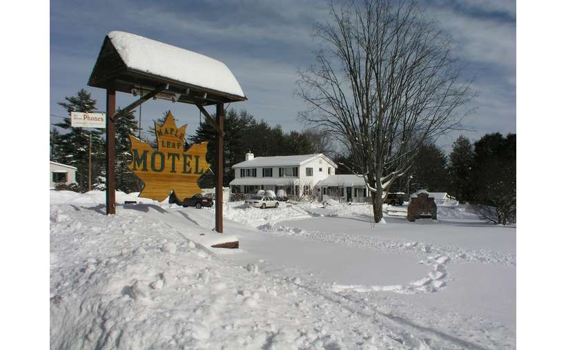 Maple Leaf Motel (8)