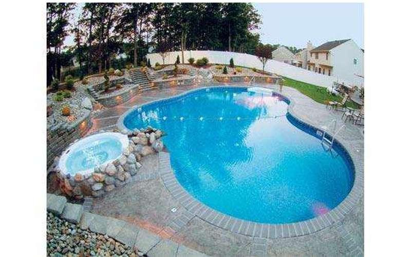 Sprague's Mermaid Pools & Spas (5)