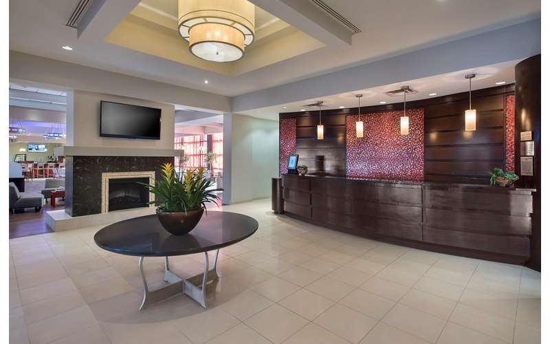 Albany Marriott hotel lobby and front desk