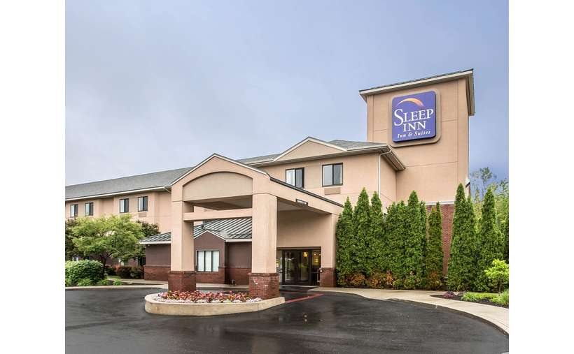 Sleep Inn & Suites Lake George (2)