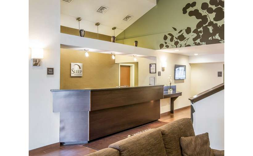 Sleep Inn & Suites Lake George (4)