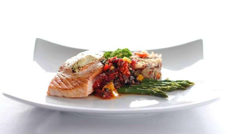 salmon over asparagus