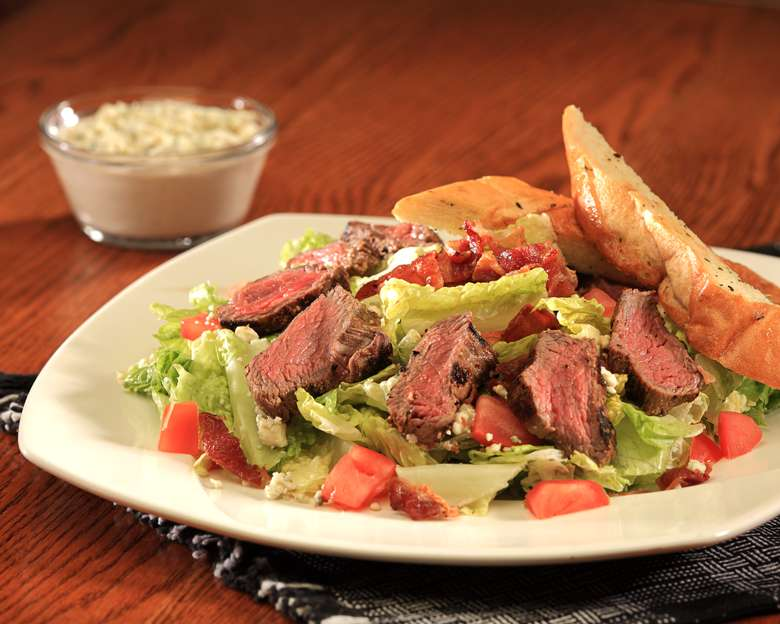 steak salad with crostini