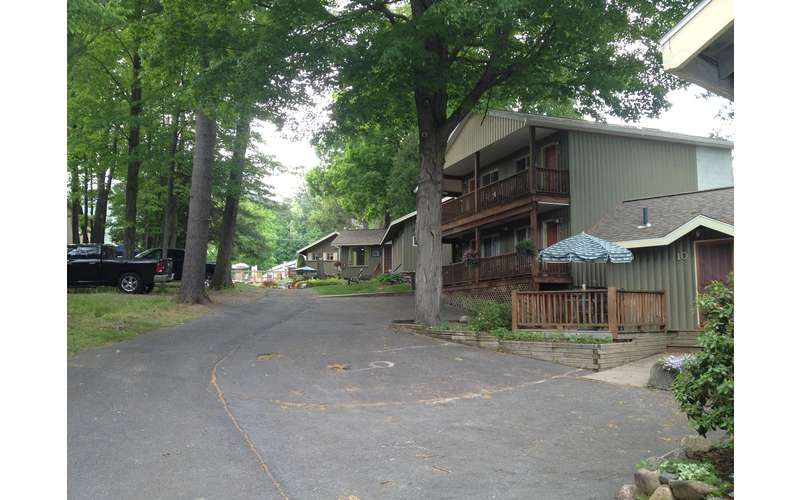The Balsam Motel and Cottages (6)