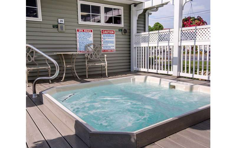 Hot tub and sundeck