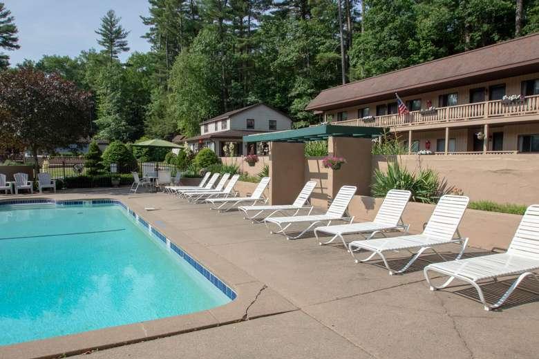 pool at Tall Pines Motel