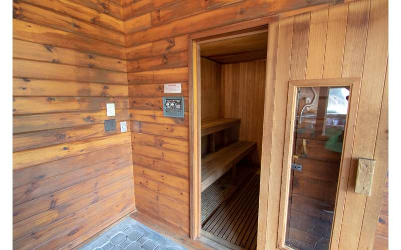 photo of Tall Pines Motel sauna