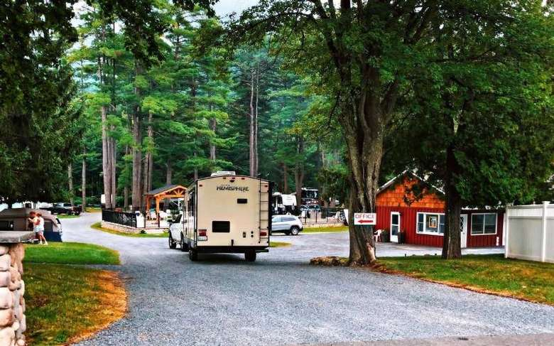 campground entrance with camper pulling in