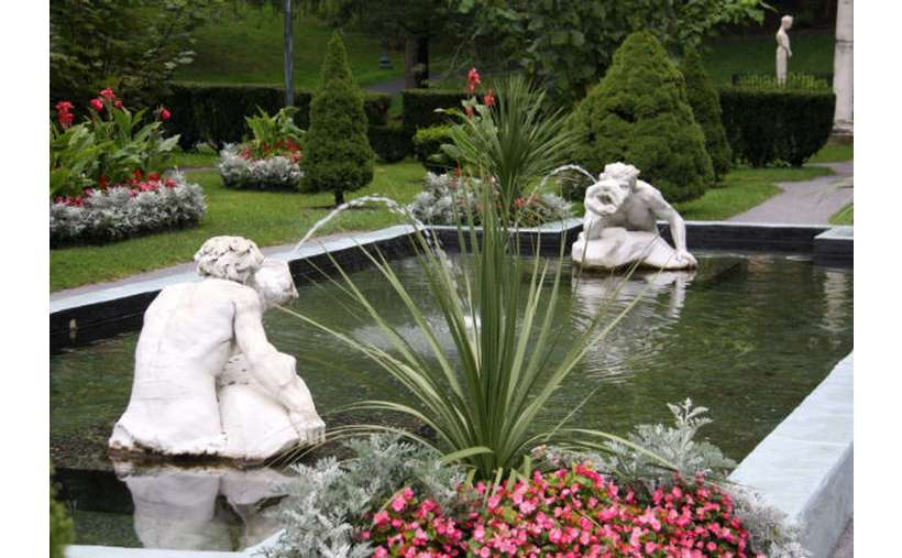 two water fountain statues