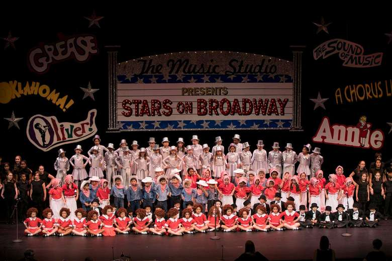 """Stars on Broadway"" performance by young children"