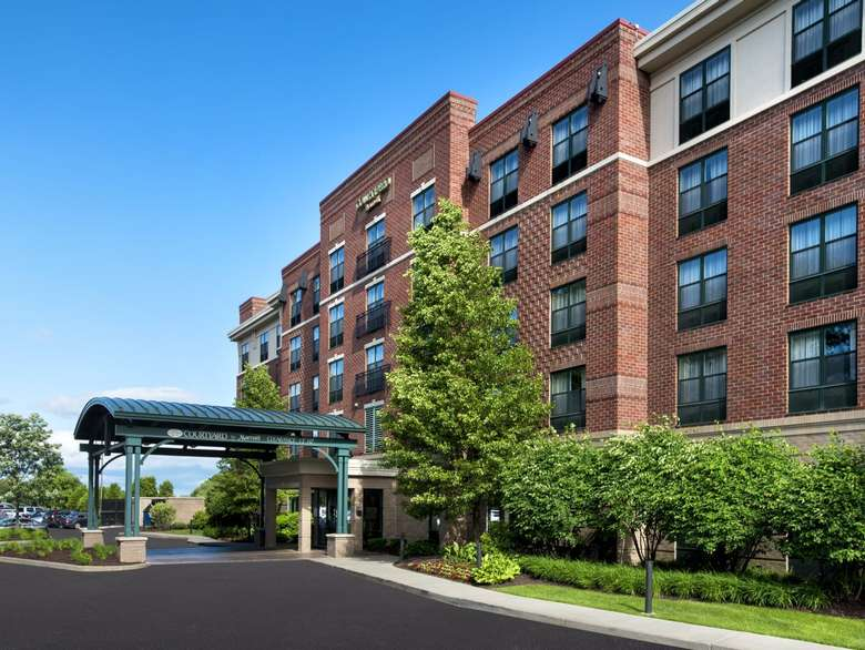 the exterior of the courtyard by marriott saratoga springs