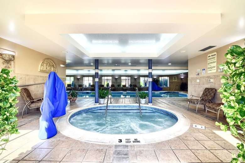 a round indoor whirlpool in a hotel