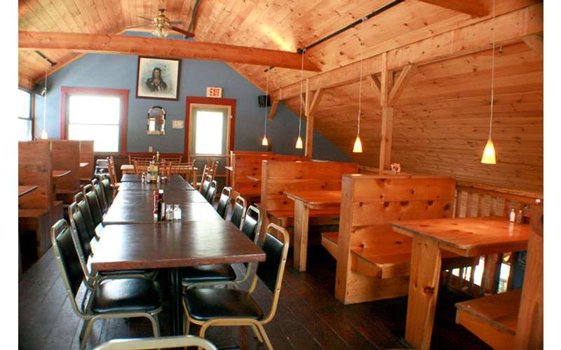 The Barnsider Smokehouse Restaurant (7)