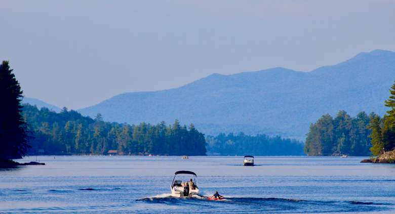 Boating on Long Lake