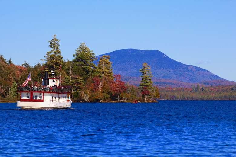 Cruise on Raquette Lake