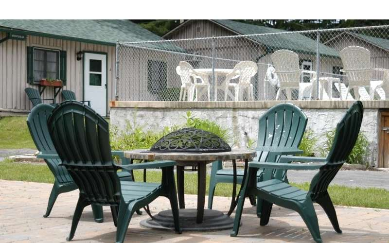 close up of outdoor table and chairs