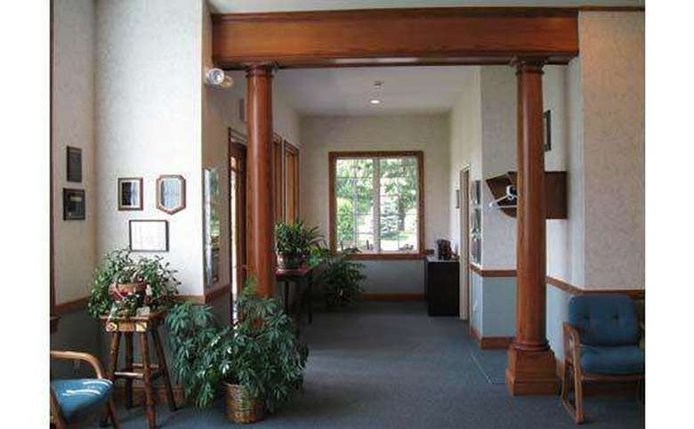 adirondack dental implant center entry way with tall columns