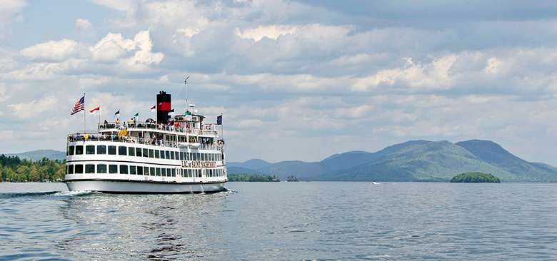 lac du saint sacrement steamboat on lake george