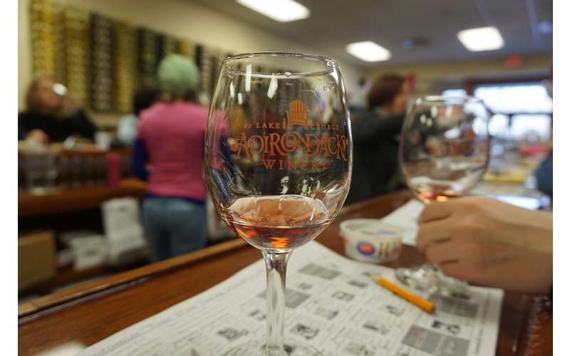 Only $7 to try 7 wines and keep the souvenir glass! Lots of upgrade tasting package options available, too!