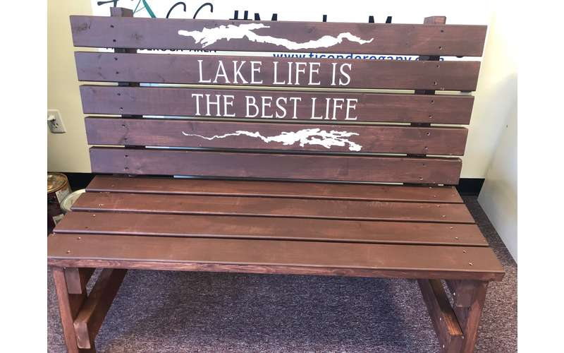 bench that says Lake Life is the Best Life