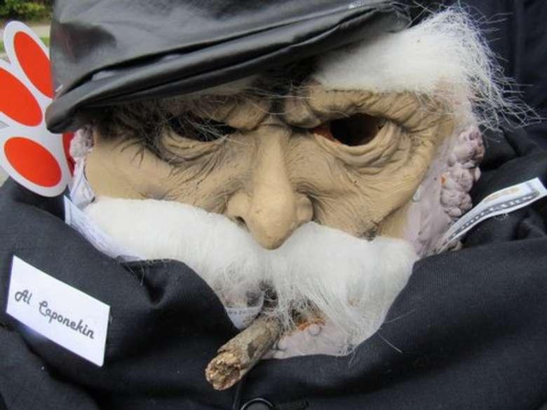 a halloween mask for al caponekin