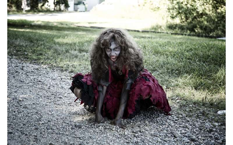 a zombie girl