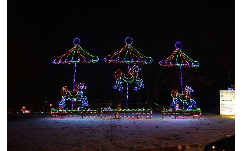 21st Annual Price Chopper/Market 32 Capital Holiday Lights in the Park (2)