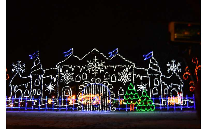 21st Annual Price Chopper/Market 32 Capital Holiday Lights in the Park (6)