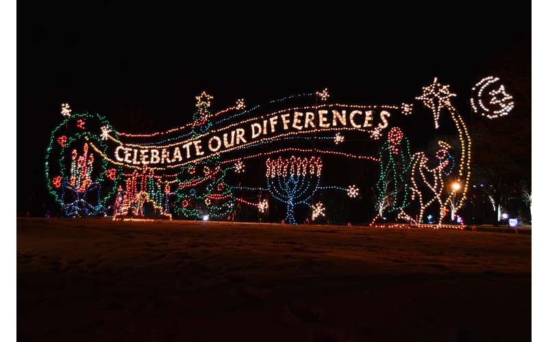 21st Annual Price Chopper/Market 32 Capital Holiday Lights in the Park (1)