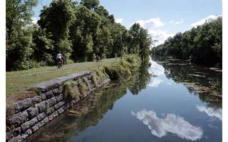 erie canal in summer