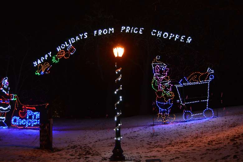 holiday lights spelling out Happy Holidays From Price Chopper
