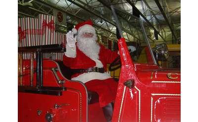 Santa Waving Photo