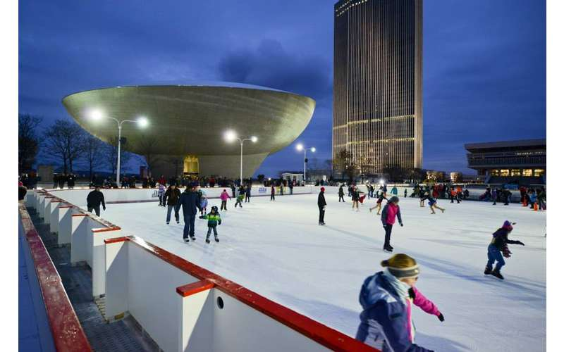 Empire ''Skate'' Plaza - Part of Winter at the Plaza (2)