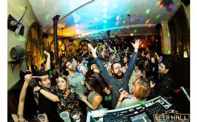 90s Night w/ DJ Trumastr