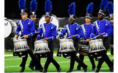 drummers in blue