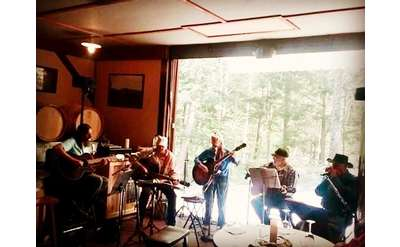 Tim Hanchett & Friends Perform at Ledge Rock Hill Winery