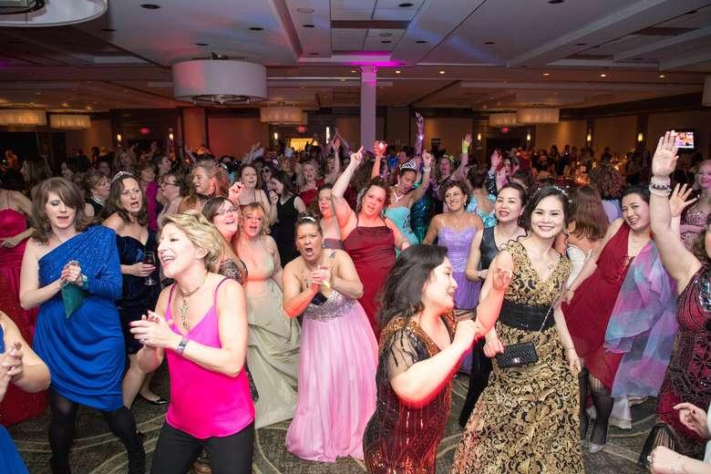 Saratoga Mom Prom Dance Floor