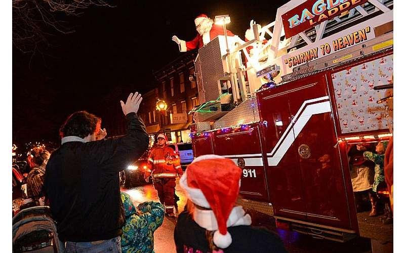 Santa greets spectators
