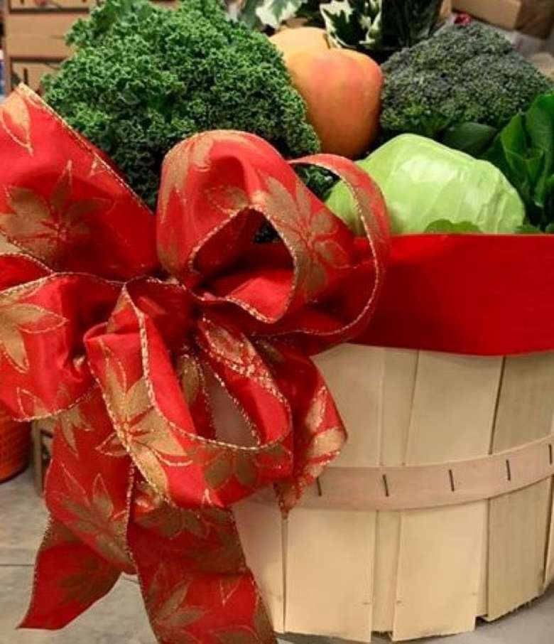 Christmas veggie basket at the Market