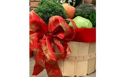 Christmas veggie basket at the Market