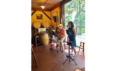 Carmen and Life's Guilty Pleasures Perform at Ledge Rock Hill Winery