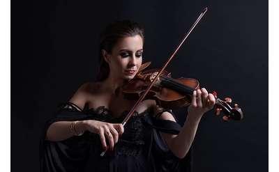 Violinist Barbora Kolarova