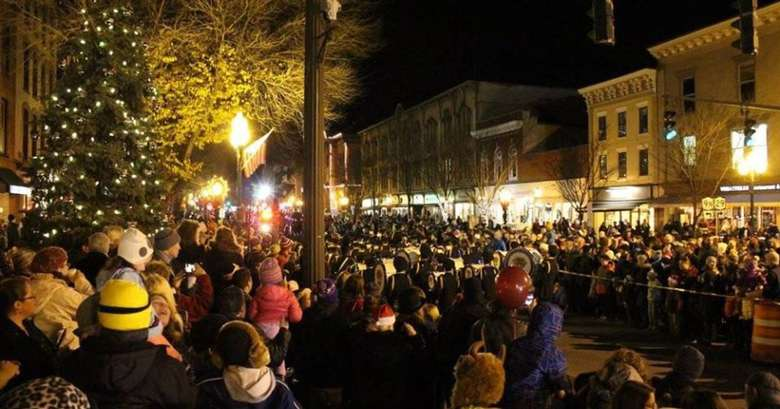crowd at outdoor night holiday event