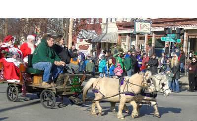 parade carriage with santa and horses